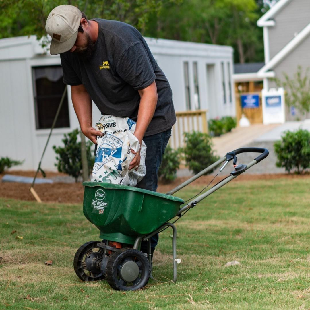 Weed and Pest Control - Commercial Landscape Management